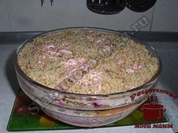 слоеный салат с орехами