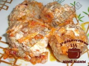 Тефтели-с-мясом-и-рисом-в-соусе