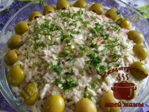 salat-iz-pecheni-treski-s-pekinskoj-kapustoj