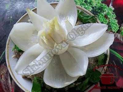 Цветок из репчатого лука. Как красиво оформить блюда
