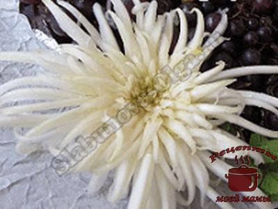 Хризантема из пекинской капусты. Украшение блюд.