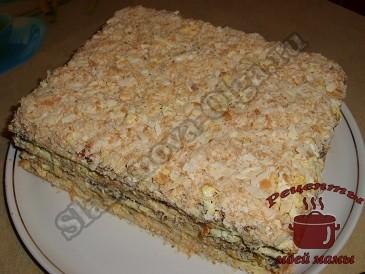 Слоеный торт с грибами и овощам