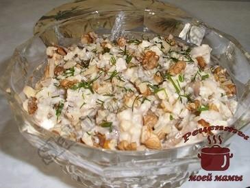 Вкусные салаты с кальмарами и грибами