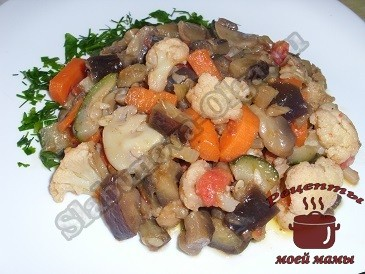 Овощное рагу с баклажанами и грибами