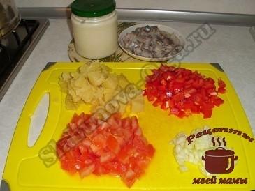 Готовим салат с селедкой и овощами
