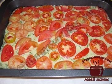 Пицца из кабачков, выкладываем помидоры