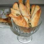 Рулеты с чесноком, выпечка для первых блюд