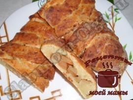 Яблочный пирог с творогом готов