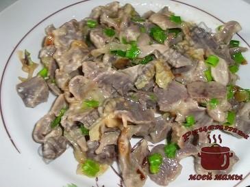 Куриные желудки в соевом соусе готовы