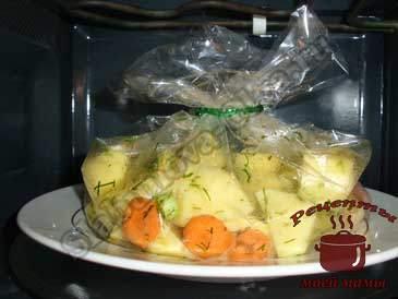 Готовим-картофель-в-микроволновке-в-пакете