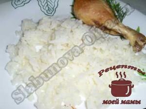 Рассыпчатая-рисовая-каша-с-курицей