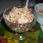 Салат-из-моркови-с-сыром-и-чесноком