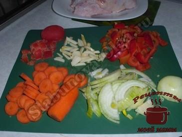 Куриные-бедрышки,-режем-овощи