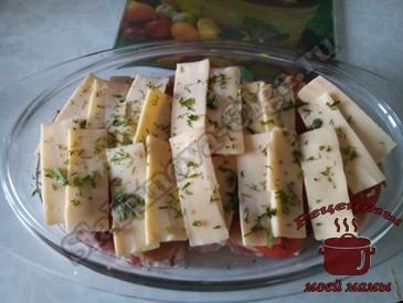 Мясо-под-шубой-с-грибами,-сыром-и-помидорами
