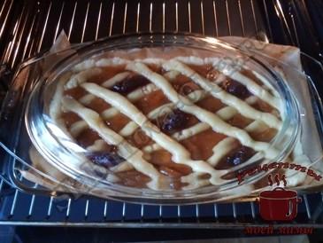 Пирог с абрикосовым вареньем
