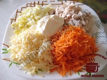 Салат-с-курицей,-сыром-и-овощами