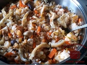 Жареный-рис-с-овощами-готов