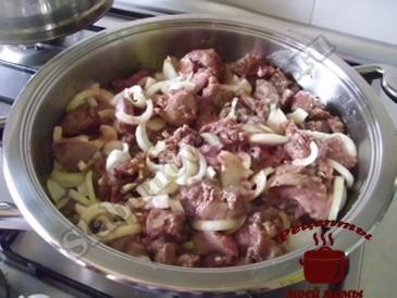Куриная печень с луком