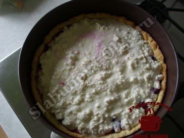 Вишневый пирог, выкладываем суфле