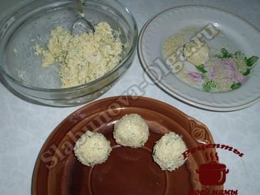 Сырные шарики, формируем шарики