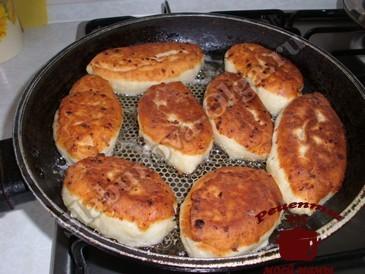 Жареные пирожки, жарим на сковороде