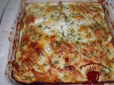 Пирог из лаваша с сыром готов