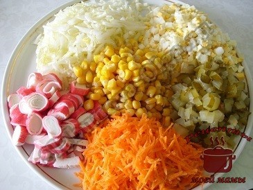 Салат из пекинской капусты кукуруза и крабовых палочек
