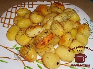 Сколько запекается картофель в духовке в пакете