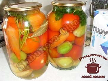 Маринованные помидоры . Заливаем маринадом