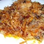 Квашеная капуста, жареная с грибами и луком