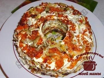 Слоеный салат с грибами «Радость грибника»