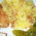 Картофельная-каша-с-салом-готова
