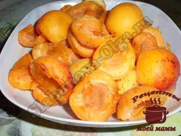 Ароматное-абрикосовое-варенье,-удаляем-косточки