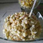 Салат-с-кальмарами-и-кукурузой