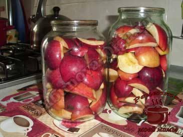 Яблоки-на-зиму-в-сиропе,-наполняем-банки