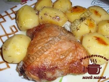 Картофель-запеченный-в-пакете-готов