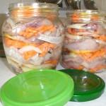 Маринованная-селедка-с-овощами
