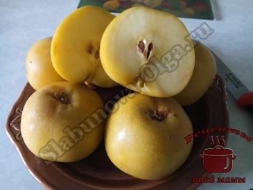 Моченые-яблоки