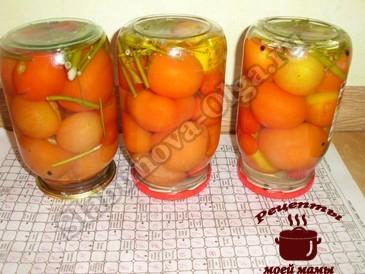 Сладкие маринованные помидоры, переворачиваем