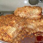 Яблочный пирог с корицей, режем