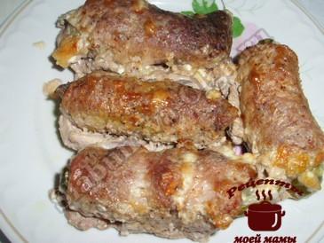 Рулетики из свинины с баклажанами готовы