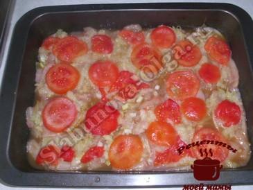 Курица по-французски, добавляем помидоры