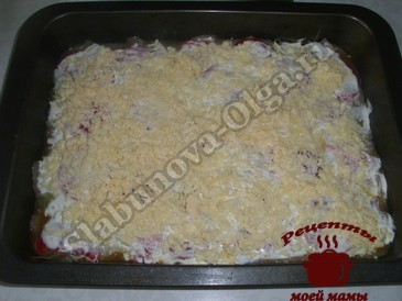 Курица по-французски, посыпаем сыром