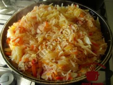 Овощное рагу с капустой, жарим капусту