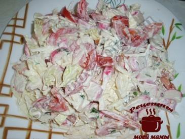 Простой салат с пекинской капустой