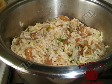 Грибы с рисом готовы