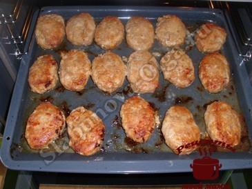 Котлеты в духовке с сыром, запекаем
