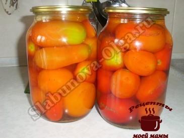 Помидоры в томатном соке, заливаем кипятком