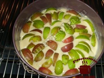 Простой пирог с грушами, выпекаем