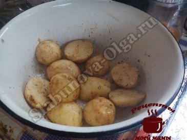 Картофель на мангале, маринуем